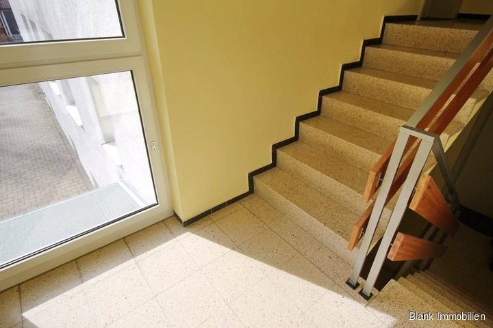 reserviert 3 zimmer wohnung mit balkon und garage in durach alexander blank immobilien. Black Bedroom Furniture Sets. Home Design Ideas